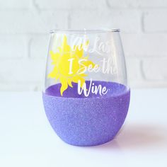 Rapunzel Wine Glass / Tangled Wine Glass / Glitter Dipped Wine Glass / Glitter Wine Glass / Disney Mom Gift / Disney Christmas Gift by OhDarlingDrinkware on Etsy Diy Glasses, Glitter Wine Glasses, Painted Wine Glasses, Diy Disney Wine Glasses, Wine Glass Sayings, Wine Glass Crafts, Disney Cups, Disney Diy, Disney Crafts