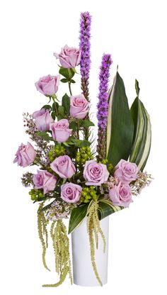 Show her how she has her own flair by creating  her a long lasting Mother's Day arrangement made OASIS® Floral Foam Maxlife.