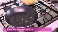 Cum se fac clatitele/ How to make pancake (romanian style)