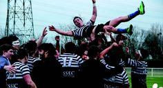 Focus sur l'association ESSEC Rugby Team : l'ERT c'est du sport bien sûr, mais aussi un gala, des diners, des fêtes et beaucoup de projets toujours plus grands qui portent loin les valeurs qui lui sont chères. L'ERT apporte également son soutien au Projet ESSEC - Pachamama, organise des levées de fonds, récolte du matériel et envoie pendant 1 mois d'été plusieurs étudiants en soutien aux équipes déjà dépêchées sur le terrain
