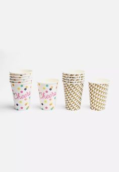 Party on! No need to keep topping up so often with these large paper cups! Each pack contains twelve paper cups with geometric and neon designs. Happy Cup, Neon Design, Cups, Party, Mugs, Parties