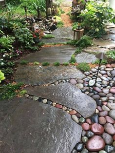 Garden Types, Diy Garden, Walkway Garden, Garden Beds, Paver Walkway, Gravel Garden, Side Walkway, Flagstone Pathway, Rock Pathway