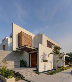 E4 House by DADA Partners | HomeDSGN