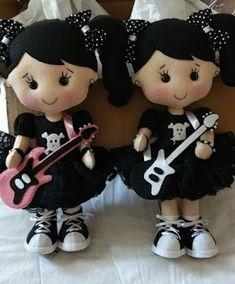 Felt Dolls, Doll Toys, Baby Dolls, Felt Patterns, Stuffed Toys Patterns, Childrens Dolls, Panda Art, Hand Embroidery Videos, Felt Decorations