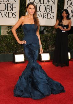 Pin for Later: The 64 Most Glamorous Gowns to Ever Hit the Golden Globes  Sofia Vergara in Vera Wang in 2012.