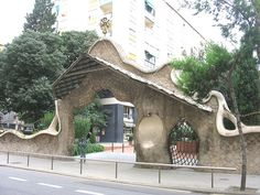 Entrance of La Finca Miralles | Antoni Gaudi