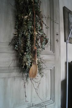 Fresco lime paint from Pure & Original on a beautiful door at our Star dealer Esatto Christmas Star, Rustic Christmas, Scandinavian Cabin, Lime Paint, Outdoor Wreaths, Tadelakt, Country Interior, Nature Paintings, Paint Cans