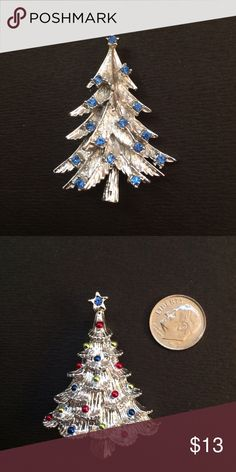 Vintage Christmas tree brooch In excellent condition Jewelry Brooches