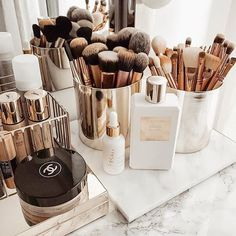 makeup organization How to Organize amp; Display Makeup in Cool Ways, makeup organization,makeup vanity,makeup storage organization small spaces Makeup Storage Organization, Small Space Organization, Makeup Brush Storage, Make Up Organization Ideas, Vanity Table Organization, Dressing Table Organisation, Acrylic Makeup Storage, Beauty Storage Ideas, Bedroom Organisation