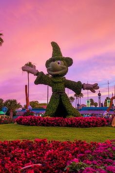 23 Pictures of Disney Parks That Prove the Magic Happens at Night