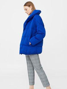 76736f3f60bf83 In diesem blauen Oversize-Mantel von Mango wird uns sicher nicht kalt. Über  Mango