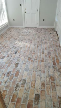 Brick Floor Old Chicago pavers would be fantastic for a mud room Entrancebrick Vin .Brick Floor Old Chicago pavers would be fantastic for a mud room Entrancebrick vinyl flooring look sheetDIY Faux Brick Flooring - Brick Flooring, Basement Flooring, Kitchen Flooring, Brick Pavers, Farmhouse Flooring, Vinyl Flooring, Kitchen Backsplash, Pavers Patio, Linoleum Flooring