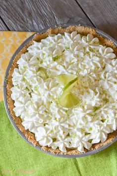 Sweet, citrus-tart filling is topped with creamy whipped cream, atop a buttery graham cracker crust. Can't beat this super-simple key lime pie recipe! Citrus Tart, Key Lime Pie Bars, Lime Desserts, Cooking Spaghetti, Spaghetti Squash, Tart Filling, Keylime Pie Recipe, Lemon Sugar, Cream Pie