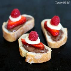 Tartinki365: Tartine 360. Strawberry Banana, Raspberry, Hazelnut Spread, Cheesecake, Desserts, Food, Tailgate Desserts, Deserts, Cheese Cakes