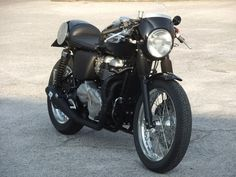 Triumph Thruxton Black Beauty ~ Return of the Cafe Racers