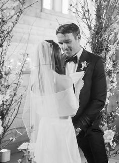 Enchanting & romantic mountain wedding in Aspen Romantic Wedding Photos, Bride And Groom Pictures, Before Wedding, Fine Art Wedding Photography, Wedding Photo Inspiration, Best Wedding Photographers, Wedding Beauty, Aspen, Wedding Blog