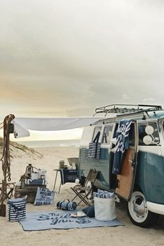 camping, old school. Not really legal any more but we can dream. (This has always been my goal in life, living in a VW van, on a beach, learning to surf) Vw Beach, Beach Picnic, Beach Camping, Camping Car, Camping Ideas, Beach Bum, Summer Beach, Beach Trip, Summer Picnic