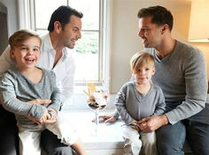 Ricky Martin poses for Vanity Fair with his twin boys (Matteo and Valentino) and Carlos González Abella, his partner of four years