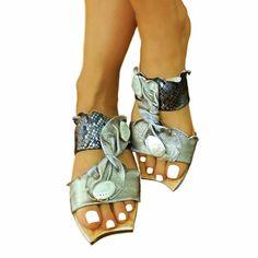 Greek Leather Sandals for Women - innovative greek sandals Flat Shoes, Flat Sandals, Leather Sandals, Shoes Sandals, Flats, Greek Sandals, Louis Vuitton, Footwear, Beautiful