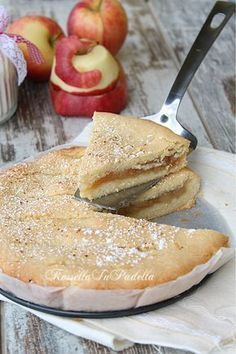 I did it like an Apple crumble. Sweets Recipes, Apple Recipes, Cake Recipes, Cooking Recipes, Delicious Desserts, Yummy Food, Torte Cake, Pie Cake, Sweet Cakes