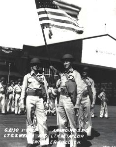 Lt George Welch and Lt Ken Taylor pose for a photograph after the ceremony at Wheeler Field, Hawaii, Jan 1942 where each was presented with the Distinguished Service Cross for their actions on Dec. 1941 (US Army Air Force) Pearl Harbor Day, Pearl Harbor Attack, Uss Juneau, General Robert E Lee, Bernard Montgomery, Day Of Infamy, Ken Taylor, Remember Pearl Harbor, Uss Arizona