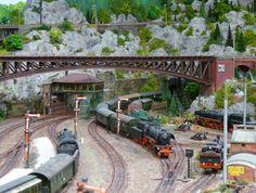 Ho Trains, Model Trains, Model Railroader, Model Train Layouts, N Scale, Rc Model, Train Car, Baseboards, Graham