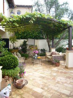 New trellised courtyard seating