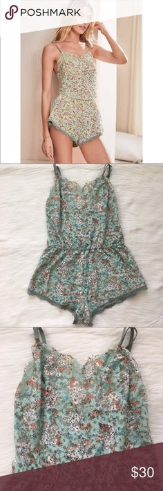 VS ROMPER SIZE XS Nwt  ✨Check out my Closet ;) ✨✨ All Sale are Final No Return, No Exchange    **Bra, bras, Dream angels, very sexy, body By Victoria, unlined, push up, designers collections, Demi, women's, Victoria secret, floral,underwear,underwire,bombshell, bralette, lingerie, swimsuit, panties, Stockings, Victoria secret bra, Slides. Victoria's Secret Intimates & Sleepwear