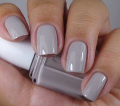 Beautiful Nail Designs Gradient American Manicure - fashionist now Grey Nail Polish, Gray Nails, Nail Polish Colors, Love Nails, Fun Nails, Light Nail Polish, Neutral Nail Color, Fall Nail Colors, Shellac Nails Fall