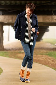 Never imagined these boots could look chic. Botas Bean, What I Wore, What To Wear, Ll Bean Duck Boots, Preppy Style, My Style, Sperry Duck Boots, Duck Shoes, Blue Shoes