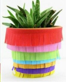 With Cinco de May just around the corner, I thought I would share with you a fun little DIY Pinata Planter project that is perfect table decor or if you're… Creative Crafts, Easy Crafts, Diy And Crafts, Diy Piñata, Easy Diy, Diy Blanket Ladder, Unicorn Ornaments, Fun Summer Activities, Fiesta Decorations
