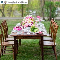 How pretty is this table from @everylastdetailblog?! How come people in Ottawa don't have outdoor receptions!!? Gorgeous! Have one and hire me! | https://instagram.com/p/5axYsXquok/