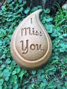 I Miss you Tear Drop Memory Stone, Concrete Mold. Easy and fun to make, great item to make for a friend or for a home-based business startup. Concrete Stepping Stone Molds, Concrete Molds, Memorial Stones, Garden Stones, Mold Making, Start Up Business, Garden Art, Memories, Make It Yourself
