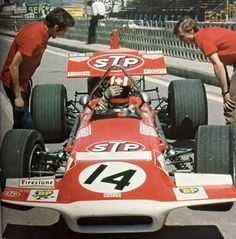 1970 Spanish GP at Jarama Rd:02 Jo Siffert with March701/5 Cosworth. unhappy dnq because of measurement missed. previous year he established himself as a star of the Porsche. A tempting offer from Ferrari was dangled in front of him but Porsche, desperate not to lose his services, paid for him to join the STP March team for 1970.