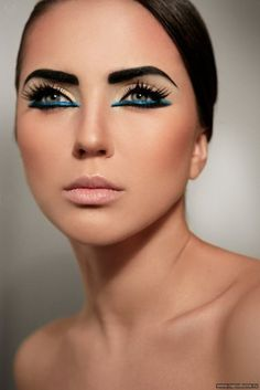 Love the colorful eyeliner! @karina conte ♍ #spadelic @ATL_mua