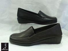 #Zapato clásico #TheFlexx con tacón bajo. Aurora Mateo.