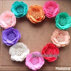 Felt Flowers, Felt Flower, Wedding Flower, Anniversary Flowers, Wedding Decor, Felt, Spring Flowers by juliettesdesigntr on Etsy https://www.etsy.com/listing/503781930/felt-flowers-felt-flower-wedding-flower