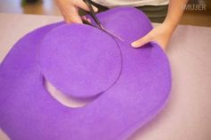 Hat Crafts, Diy And Crafts, Foam Wigs, Wig Hat, Crazy Hats, Halloween 1, Mardi Gras, Activities For Kids, Kids Rugs