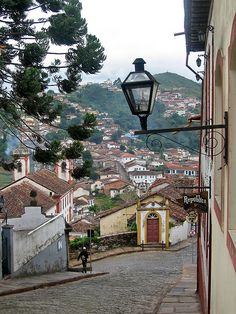 Rua dos Paulistas in Ouro Preto, Minas Gerais, Brazil (by Paul McClure DC).