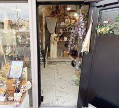 """神戸市垂水区のプリザとドライの小さな花屋 on Instagram: """"明日も10:00〜17:00(もしかすると18:00)まで営業いたします! 爽やかな色合いの花材も入荷してます🌿くすみ系〜爽やか等色々あります! 花材はガラス瓶に挿すだけでもシンプルにオシャレです。気軽にお部屋に取り入れられるようご提案させていただきます☺️ ・…"""" Ladder Decor, Instagram, Home Decor, Atelier, Interior Design, Home Interior Design, Home Decoration, Decoration Home, Interior Decorating"""