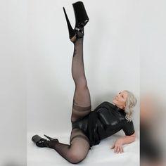 Extreme High Heels, Sexy High Heels, High Heels Stilettos, Latex Lady, Stripper Heels, Pantyhose Heels, Sexy Latex, Skater Dress, Leotards