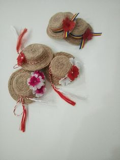 lucru de mana – Dragi Femei… Diy Craft Projects, Diy And Crafts, Crafts For Kids, Arts And Crafts, Flower Crafts, Diy Flowers, Paper Flowers, Japanese Ornaments, Rakhi Making