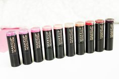 Makeup Revolution Amazing Lipsticks // Review & Swatches