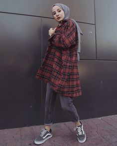 2020 Hijab Fashion and Models Modern Hijab Fashion, Street Hijab Fashion, Hijab Fashion Inspiration, Muslim Fashion, Modest Fashion, Fashion Ideas, Casual Hijab Outfit, Hijab Chic, Casual Outfits
