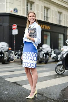Pretty pencil skirt + tucked-in button-down