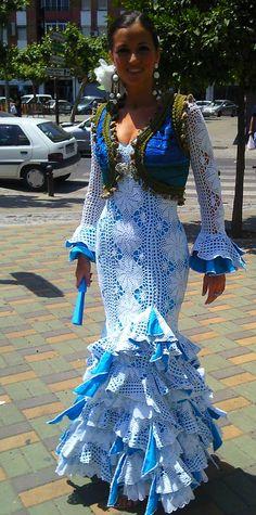 traje de gitana Sexy Dresses, Cute Dresses, Beautiful Dresses, Fashion Dresses, Spanish Dress, Flamingo Dress, Moda Boho, Blue And White Dress, Love Fashion