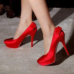 Atractivos zapatos de novia | Colección 2014