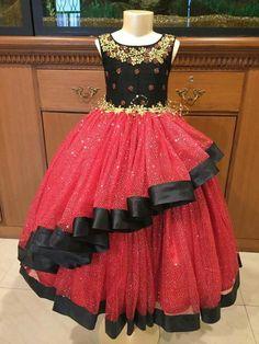 Baby Girl Birthday Dress, Baby Girl Party Dresses, Little Girl Dresses, Girls Dresses, Baby Frocks Designs, Kids Frocks Design, Baby Dress Design, Frock Design, Kids Ethnic Wear