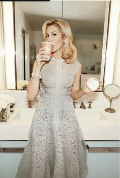 Kelly Rutherford looking classy                                                                                                                                                                                 More