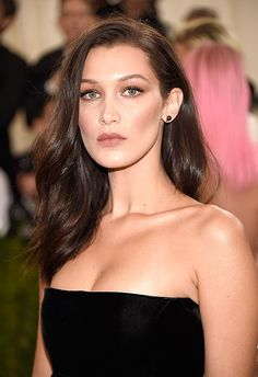 Good news: this look can work just as well for the lob lovers as the girls with Rapunzel hair. The loosely tonged curls look effortlessly sexy and are guaranteed to make any Saturday night. Sweep it to the side like Bella for a relaxed vibe